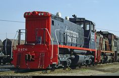 Net Photo: SP 2476 Southern Pacific Railroad EMD at Los Angeles, California by Craig Walker Train Engines, Rolling Stock, Diesel Locomotive, Photo Location, Model Trains, St Louis, Southern, United States, America