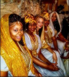 HEBREW FASHION: Beautiful Daughters of Sarah : Photo