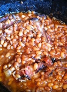 Try Something New: Baked Beans - What Would Betty Do? Baked Beans Crock Pot, Baked Beans With Bacon, Crockpot Dishes, Crock Pot Slow Cooker, Crock Pot Cooking, Slow Cooker Recipes, Crockpot Recipes, Cooking Recipes, Crock Pots