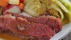Making St. Patrick's Day Foods: Corned Beef and Cabbage Corned Beef, Irish Wedding Traditions, Holiday Recipes, Holiday Foods, Corn Beef And Cabbage, Spaghetti And Meatballs, Lunches And Dinners, Meatloaf, St Patricks Day