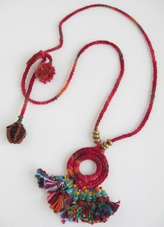 Ethnic Crochet and Tassel necklace Tassel Jewelry, Textile Jewelry, Fabric Jewelry, Jewelery, Fabric Necklace, Diy Necklace, Crochet Necklace, Tassel Necklace, Necklaces