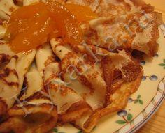 Тонкие блинчики с крахмалом ========================== 00 мл молока 4 столовые ложки с горочкой пшеничной муки 4 столовые ложки с горочкой крахмала (картофельного или кукурузного) 4 куриных яйца 2 столовые ложки растительного масла сахар по вкусу (я обычно кладу 1 - 2 столовые ложки) небольшая щепотка соли