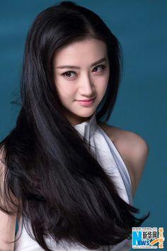Mou Girl Jing Tian poses for photo shoot Beautiful Girl Image, Beautiful Asian Women, Beauty Full Girl, Beauty Women, Korean Beauty, Asian Beauty, Looks Pinterest, Sexy Asian Girls, Hair Beauty