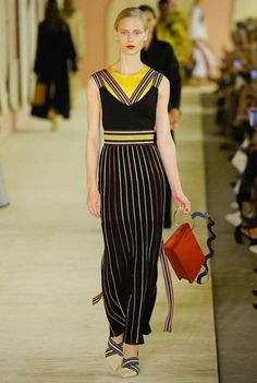 Roksanda Spring/Summer 2017 Ready-To-Wear Collection | British Vogue