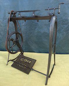ANTIQUE SHIPMAN & BINDER PRIZE DEMAS SMALL TREADLE LATHE FOR WOOD c.1882