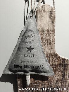 www.createdbyjennie.nl Christmas Art, Christmas Decorations, Sachets, Art Activities, Door Hangers, Reusable Tote Bags, Santa, Throw Pillows, Accessories