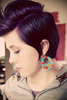 I adore purple hair:)  And this hairdo.