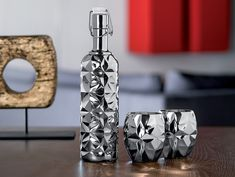 Precious glass: a stunning new concept from Artis - Hospitality & Catering News Restaurant Tables, Glass Collection, Decanter, Glass Bottles, Luigi, Concept, Tableware, Kitchen Things, Accessories