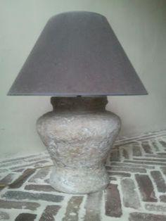 Moonhuis; lampvoet maken met tegellijm / Alabastine allesvuller.