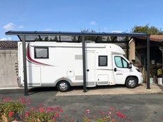 Idéal pour protéger votre camping-car des intempéries, le carport aluminium vous évitera également des frais liés à la construction d'un garage.