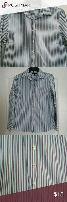 Lands' End no iron shirt size 8 No Iron Pinpoint Oxford button down shirt. Excellent condition. One button on each sleeve. 100% baumwolle Lands' End Tops Button Down Shirts