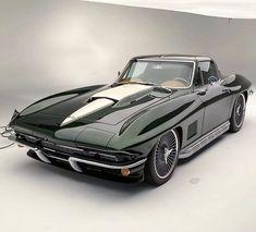 1967 Corvette Stingray, Corvette C2, Chevrolet Corvette, Chevy, Pretty Cars, Cute Cars, Old Vintage Cars, Classy Cars, Best Luxury Cars