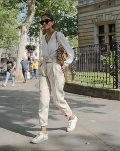 Spring look in soft neutral colors 💥 Moda Outfits, Chic Outfits, Spring Outfits, Trendy Outfits, Inspired Outfits, Fashion Outfits, Fashion Trends, Fashion Clothes, Casual Autumn Outfits Women