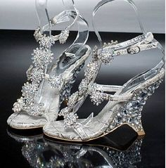 64.60$  Buy here - http://alii9m.worldwells.pw/go.php?t=2037710303 - 2016 Nicest Lady Bridal Wedding Shoes Evening  Party Dresses Female Wedge Heel Sandals banquet princess diamond crystal shoes 64.60$