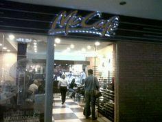 Restaurantes en Caracas » Restaurantes en Caracas – Mc Cafe C.C. Millenium – Torta Chocoavellanas Life, Caracas, Restaurants, Events, Food Cakes