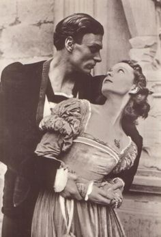 Laurence Olivier and Vivien Leigh in Hamlet