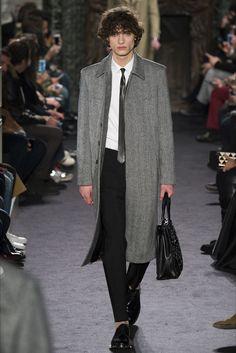 Sfilata Moda Uomo Valentino Parigi - Autunno Inverno 2016-17 - Vogue