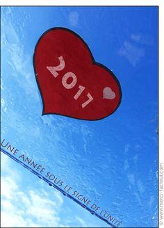 Cette carte vous plait ? Profitez-en tant qu'il est encore temps de souhaiter une bonne année 2017 à vos amis avec une jolie #carte envoyée par La Poste en quelques clics ! #voeux #BonneAnnée #voeux2017 #amour #love #paix #peace #paz  Carte Une ann�e sous le signe de l'unit� pour envoyer par La Poste, sur Merci-Facteur !
