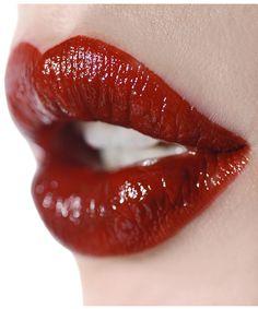 Ellis Faas Milky Lips in Blood Red Lip Makeup, Beauty Makeup, Kiss Beauty, Love Lips, Kissable Lips, Beautiful Lips, Stunning Eyes, Glossy Lips, Lip Service