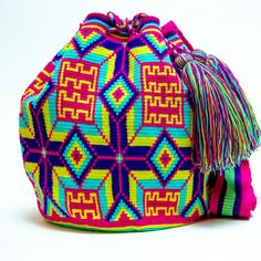 Limited Edition Wayuu Bag Crochet Art, Tapestry Crochet, Crotchet Bags, Tapestry Bag, All About Fashion, Hippie Boho, Purses And Bags, Poufs, Knitting
