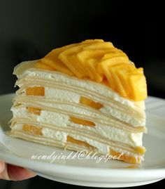 Mango season is almost here. I haven& been posting a nice crepe recipe here since the not so nice Durian Pancake Rolls . Mango Crepes Recipe, Durian Recipe, Brownie Recipes, Cake Recipes, Dessert Recipes, Savory Crepes, Savoury Cake, Crêpe Recipe, Pancake Roll