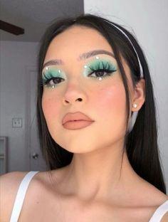 Te invito a seguirme y visitar mi perfil para ver este tipo de contenido y más!. Indie Makeup, Edgy Makeup, Eye Makeup Art, Crazy Makeup, Cute Makeup, Pretty Makeup, Skin Makeup, Eyeshadow Makeup, Eyeshadows