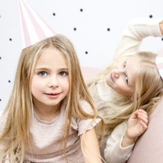 Kinderfeestje met accessoires en feestartikelen van HIEPPP l Girlslabel Party Hats, Cute Animals, Pink, Party Ideas, Girls, Products, Fashion, Accessories, Everything