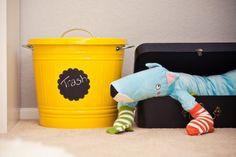 quarto bebe decorado lata amarela