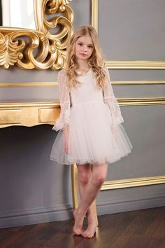 Surfer Girl Style Discover First Communion Dress Flower Girl Off-White Lace Tulle Girly Girl Outfits, Cute Little Girl Dresses, Cute Young Girl, Beautiful Little Girls, Cute Little Girls, Kids Outfits, Young Girl Fashion, Preteen Girls Fashion, Kids Fashion