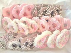 I used this pinspiration the last time i made chocolate covered pretzels.