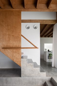 Gallery of East Fremantle House / Nic Brunsdon - 25 Interior Stairs, Interior Architecture, Interior Design, Wood Railing, Stair Railing, Modern Staircase, Staircase Design, Masonry Construction, Brick Cottage