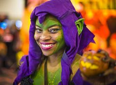 Comic-Con 2013 – Female Green Goblin Cosplay (love her makeup!)