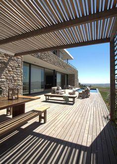 Tout savoir sur la terrasse en bois thermo modifié