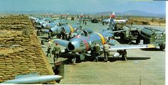 GREAT OLDE AIR FORCE PICTURES - 1952 KUNSAN AIR FORCE BASE SOUTH KOREA - F-86'S LINED UP
