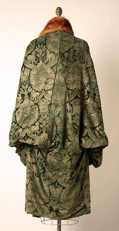 Evening coat, back detail by Mariano Fortuny early 1920s in silk and fur from The Metropolitan Museum of Art