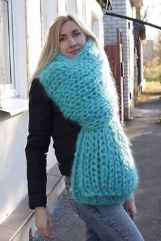 Would like to meet her Fluffy Sweater, Sweater Scarf, Mohair Sweater, Wool Scarf, Knit Scarves, Thick Sweaters, Wool Sweaters, Giant Knitting, Knitting Socks