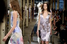 Modeconnect.com Fashion News – September, 17, 2013 – At #LFW with Christopher Kane, Burberry Prorsum, Erdem, Marios Schwab & Jonathan Saunders Suzy Menkes gtes the Sexual Language of the Flowers