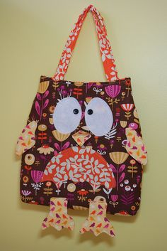 made for a craft show I did last year.  Pattern by Melly & Me.  #owl #purse