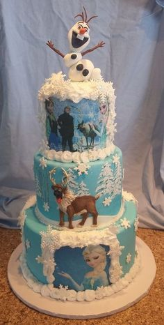 """If you are thinking about have a Frozen party, here are some awesome cake inspirations. If you want more, check out """"More Froze Party Cake. Torte Frozen, Frozen Party Cake, Frozen Birthday Cake, Birthday Cakes, Birthday Ideas, Beautiful Cakes, Amazing Cakes, Cupcakes Princesas, Pastel Frozen"""