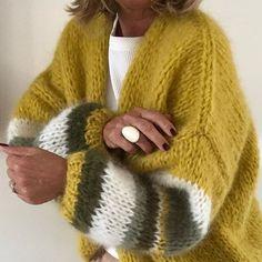 Fluffy Sweater, Mohair Sweater, Hand Knitted Sweaters, Knitted Poncho, Knit Fashion, Sweater Fashion, Crochet Shirt, Knit Crochet, Handgestrickte Pullover