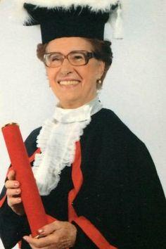Gaúcha de 86 anos se forma em direito para ajudar idosos