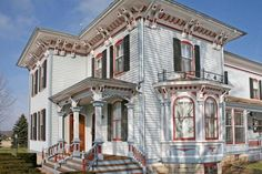 1900 Victorian  Waterford, Wisconsin  (NOTE:  This looks more Italianate to me due to the large soffits and paired corbels.)