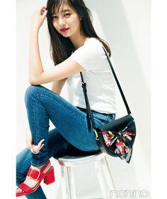 Asia Girl, Japan Fashion, Japanese Girl, Asian Beauty, Dress Up, Shoulder Bag, Actresses, Poses, Stylish
