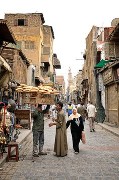 Por las calles de Khan el-Khalili, El Cairo Thinking about this makes me smile. Such a cool place to shop