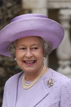 November 14, 2001 - London. Love the Queen Elizabeth II when she is smiling.