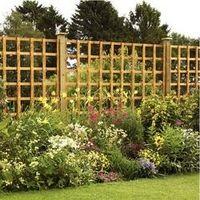 holz gartenzaun gr ne fr hlingspflanze landscaping. Black Bedroom Furniture Sets. Home Design Ideas