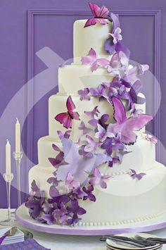 purple wedding cake with butterflies. Beautiful Wedding Cakes, Gorgeous Cakes, Pretty Cakes, Cute Cakes, Amazing Cakes, Cake Butterfly, Butterfly Wedding Theme, Purple Butterfly, Purple Wedding