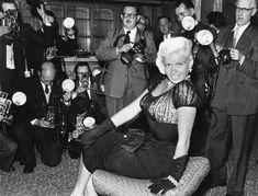 Jayne Mansfield, Norma Jean, Classic Hollywood, Bombshells, Marilyn Monroe, Movie Stars, Candid, Mystery, Europe