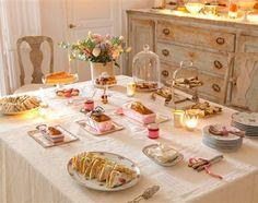 Una merienda entre rosas Brunch, Breakfast Presentation, Magazine Deco, Afternoon Tea Parties, Cafe Food, Vintage Tea, High Tea, Food For Thought, Tea Time