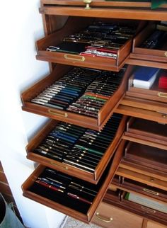 Page 1 of 3 - Fountain Pen Storage Solutions - posted in Fountain & Dip Pens - First Stop: Greetings Everyone, What do you use to store you fountain pens, case, cigar boxes, store bought cases and holders, trays? Do you make them yourself? How do you make them? Thanks